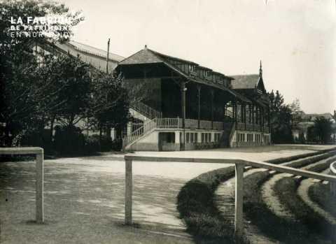 Stade Hélitas-Tribunes