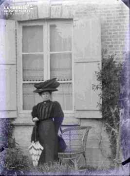 Portrait d'une femme à la Belle époque