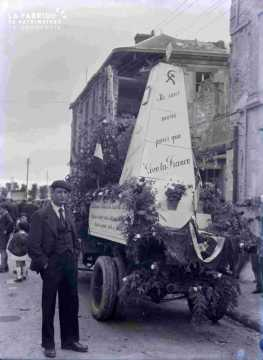 Argentan char fleuro Parti Communiste