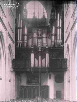 Intérieur église Saint Germain orgue