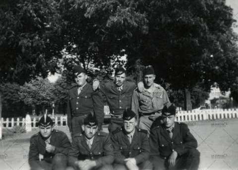 Photographie de groupe, appelés du contingent