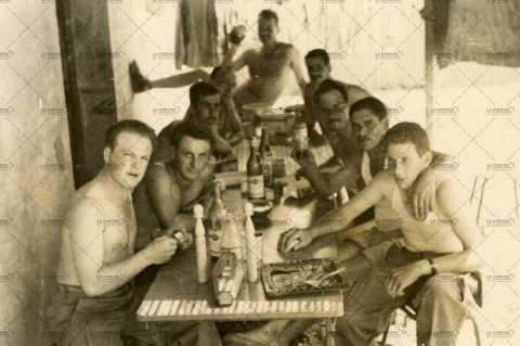Moment de convivialité, soldats français (quille)