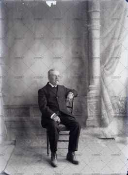 Portrait d'un vieil homme assis