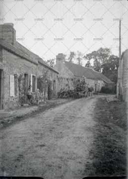 Habitations dans la campagne normande