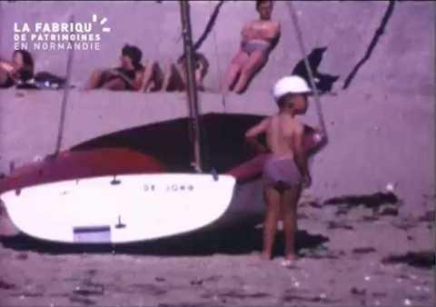 Club de plage à Hauteville-sur-Mer