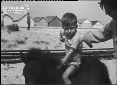 1952, plage de Courseulles