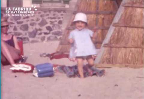Coutainville, enfants à la plage