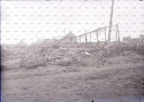 Caen en ruines, 16 quai Amiral Hamelin.