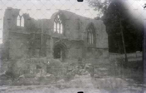 Caen en ruines, église Saint-Julien