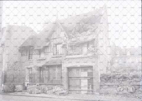Caen en ruines, 12 rue Leverrier