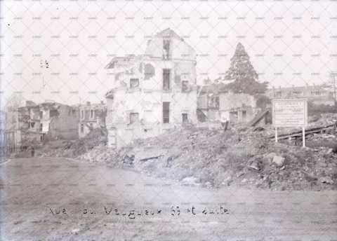 Caen en ruines, rue du Vaugueux
