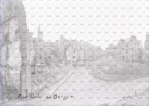 Caen en ruines, rue Porte-au-Berger