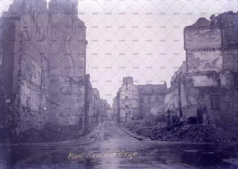 Caen en ruines, rue Graindorge