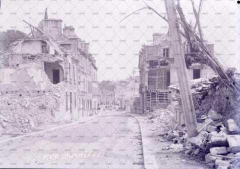 Caen en ruines, rue Bosnières