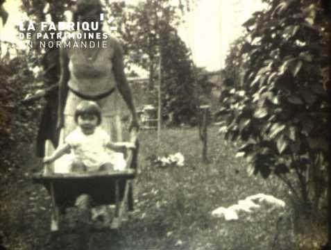 Portrait d'une fillette dans les années trente
