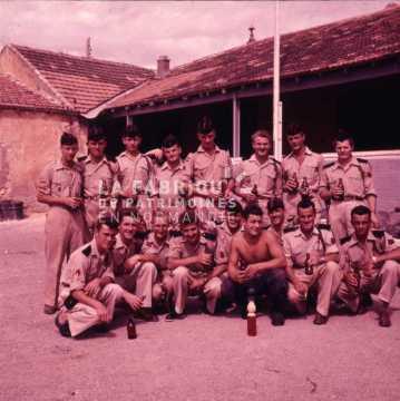 Groupe d'appelés de l'armée française pendant la guerre d'Algérie