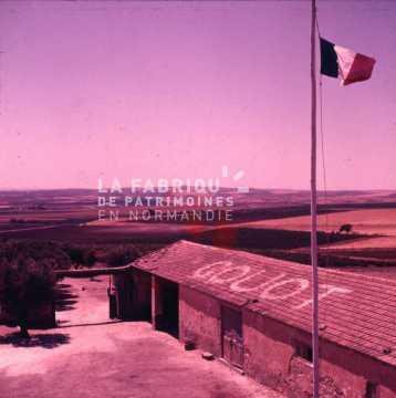 Ferme transformée en base militaire durant la guerre d'Algérie