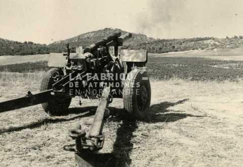 Canon de 105mm M2 en Algérie