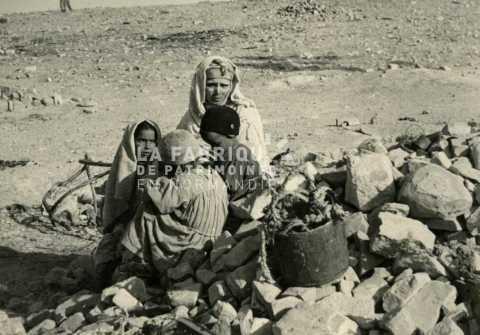 Famille pauvre algérienne