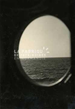 Vue sur la Méditerranée depuis un navire transportant des soldats de la guerre d'Algérie