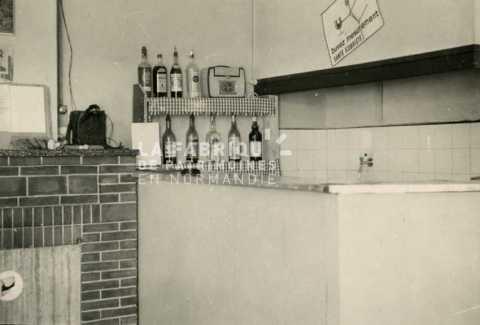 Bar utilisé par des soldats français pendant la guerre d'Algérie.