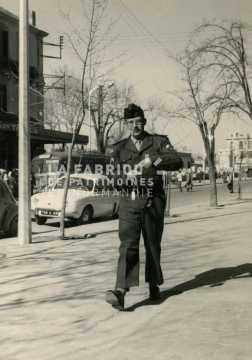 Soldat du 27e régiment d'artillerie en tenue de sortie