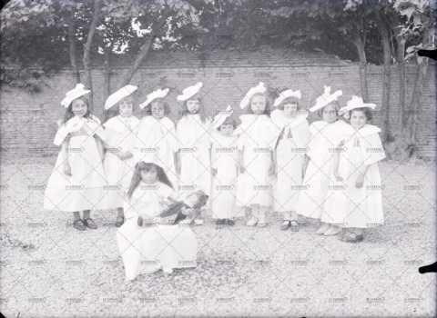 Photographie de groupe, fillettes