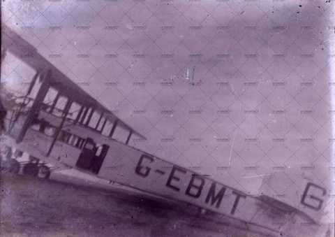 Avion G-EBMT