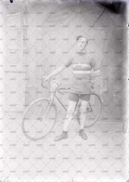 Portrait de l'homme à vélo