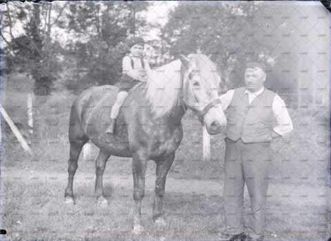 Enfant à cheval
