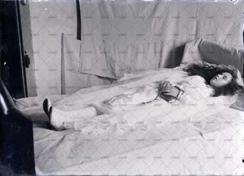 Portrait d'une femme décédée