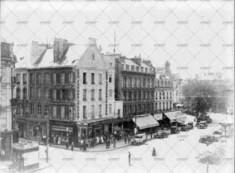 Scène de rue à Caen