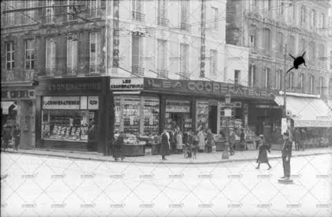 Caen à l'angle de la rue Saint-Jean et du boulevard des Allies