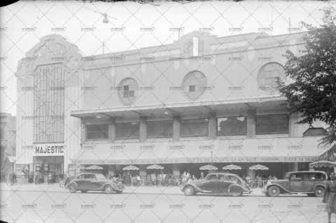 La brasserie Chandivert et le cinéma Majestic