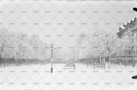 Caen sous la neige