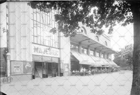 """A l'affiche du cinéma Majestic le film """"Bichon"""" sorti en 1948"""