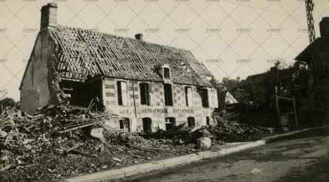 Les ruines de Pont-d'Ouilly, la gendarmerie