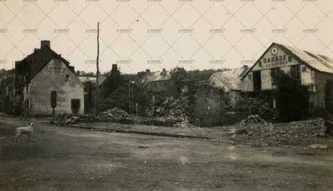 Les ruines de Pont-d'Ouilly, garage