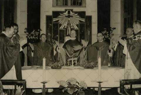 Prêtres, cérémonie religieuse