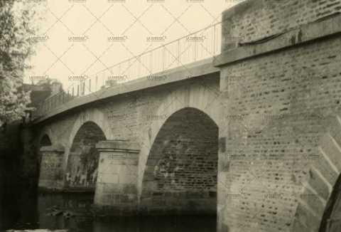 Le pont sur l'Orne