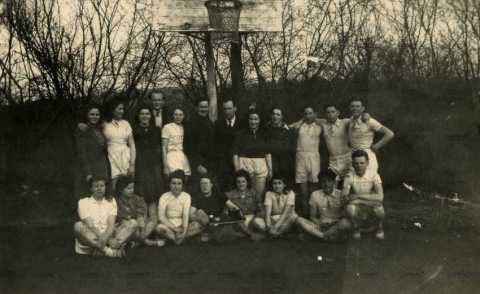 Equipe de basket-ball à Pont-d'Ouilly