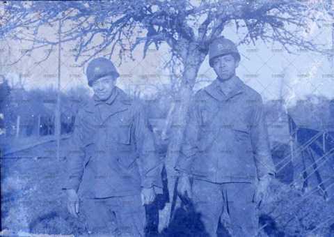 Soldats américains (caporal et sergent) dans la Manche