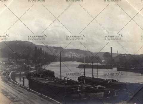 Le port fluvial