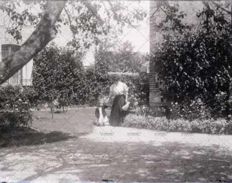Scène de vie au jardin
