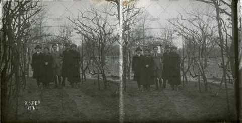 1921, portrait de famille