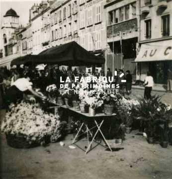Marché aux fleurs à Cherbourg