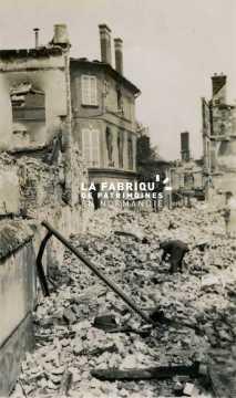 Evreux en ruines