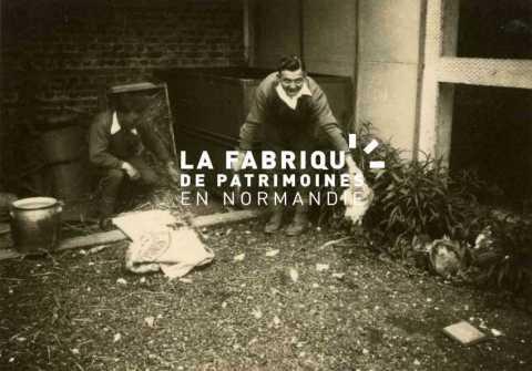 Mise à mort d'une poule à Cherbourg en 1940.