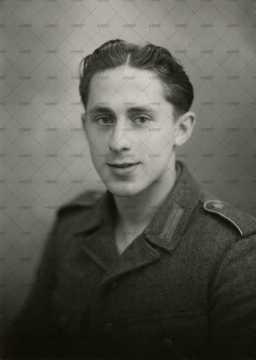 Portrait d'une jeune soldat allemand
