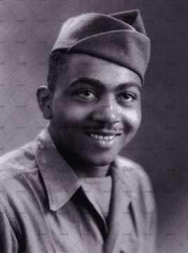 Portrait d'un soldat américain portant un calot